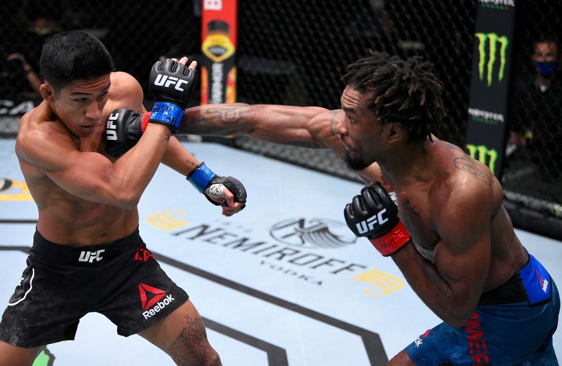 UFC Вегас 5: Джамалл Эммерс (США) vs Винс Качеро (США)
