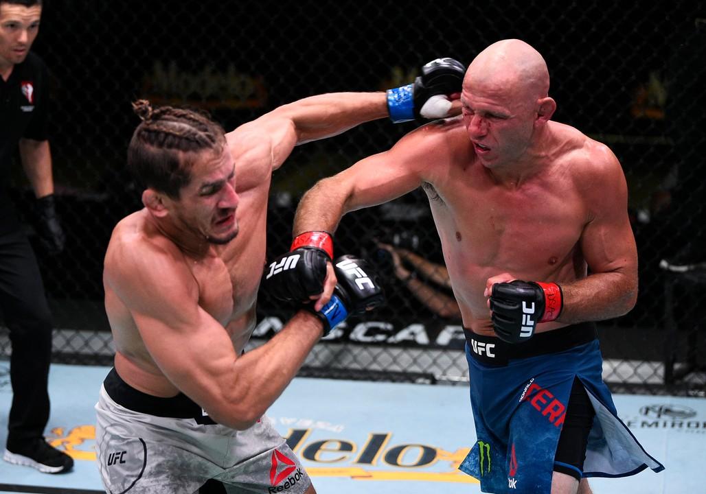 UFC Fight Night 178: бой Серроне и Прайса завершился вничью