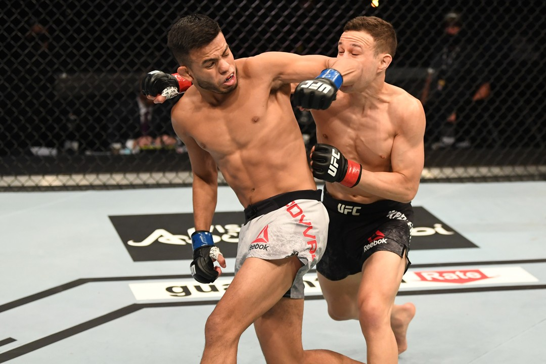 UFC 253: Кай Кара Фрэнс (Новая Зеландия) vs Брэндон Ройвал (США)